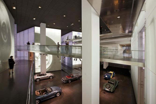 BMW MUSEUM, MUNICH: CENTRAL SPACE
